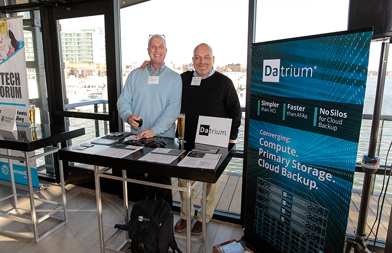 Datrium representatives speak with attendees at the CXO Tech Forum.